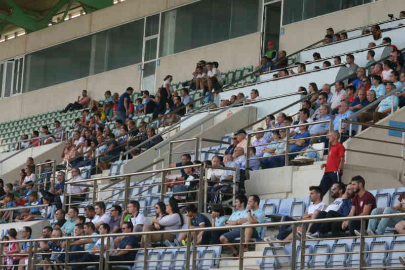 El domingo las mujeres gratis al fútbol