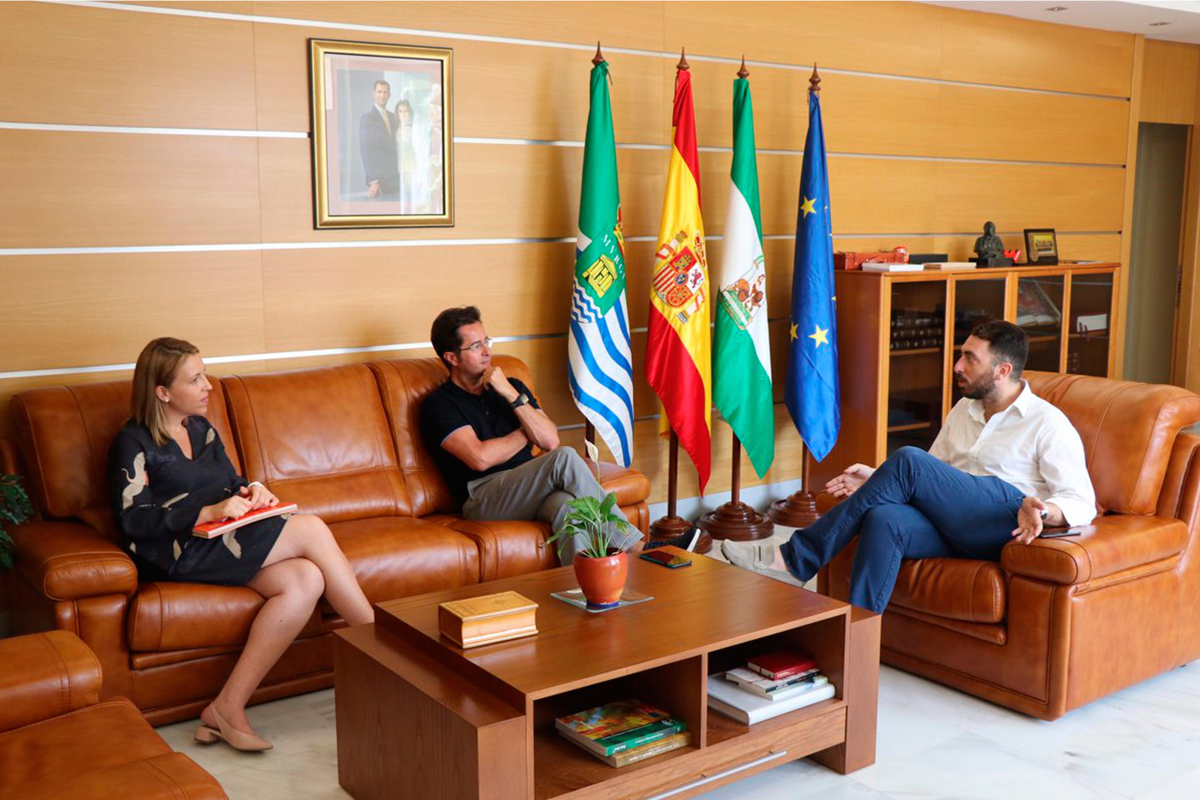 Pierre Mevy y Francisco Góngora satisfechos con los primeros pasos del nuevo proyecto del CD El Ejido