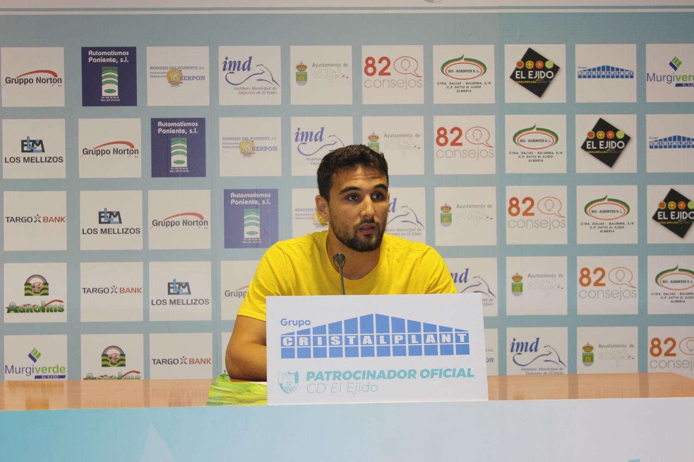 Garrido quiere al equipo al cien por cien el domingo frente al Recreativo