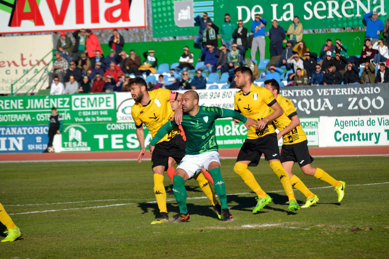Sólo la falta de acierto en el remate evita al CD El Ejido puntuar frente al Villanovense