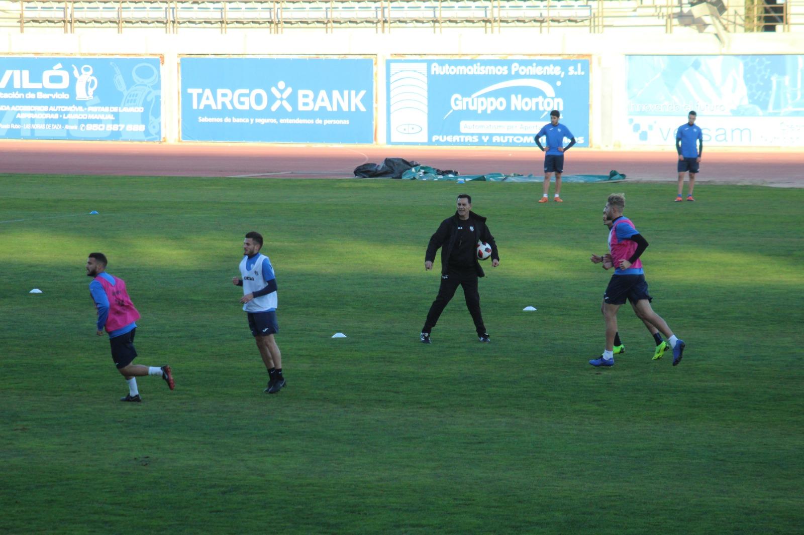 Manolo Ruíz quiere ver a su equipo en Murcia el domingo implicado y motivado