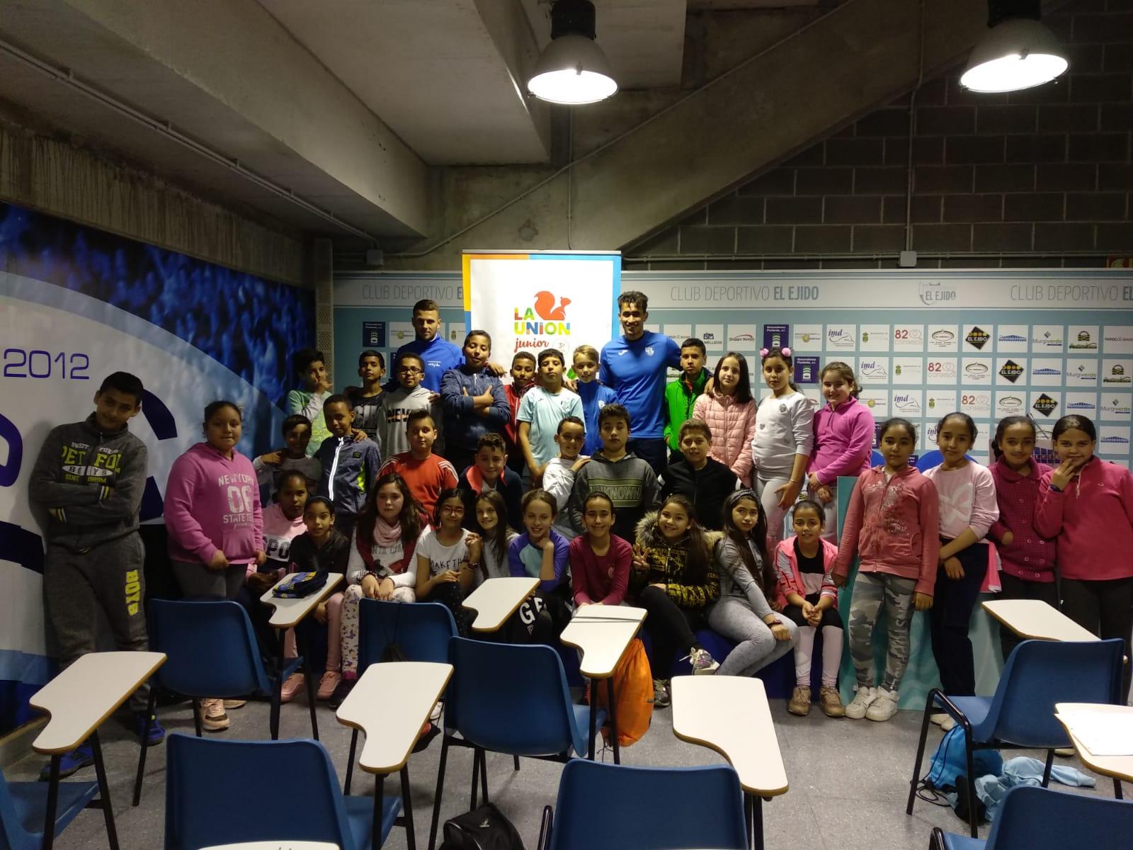Los colegios Ciavieja, Santa María del Águila y San Agustín viven Un Día con el CD El Ejido y La Unión Junior