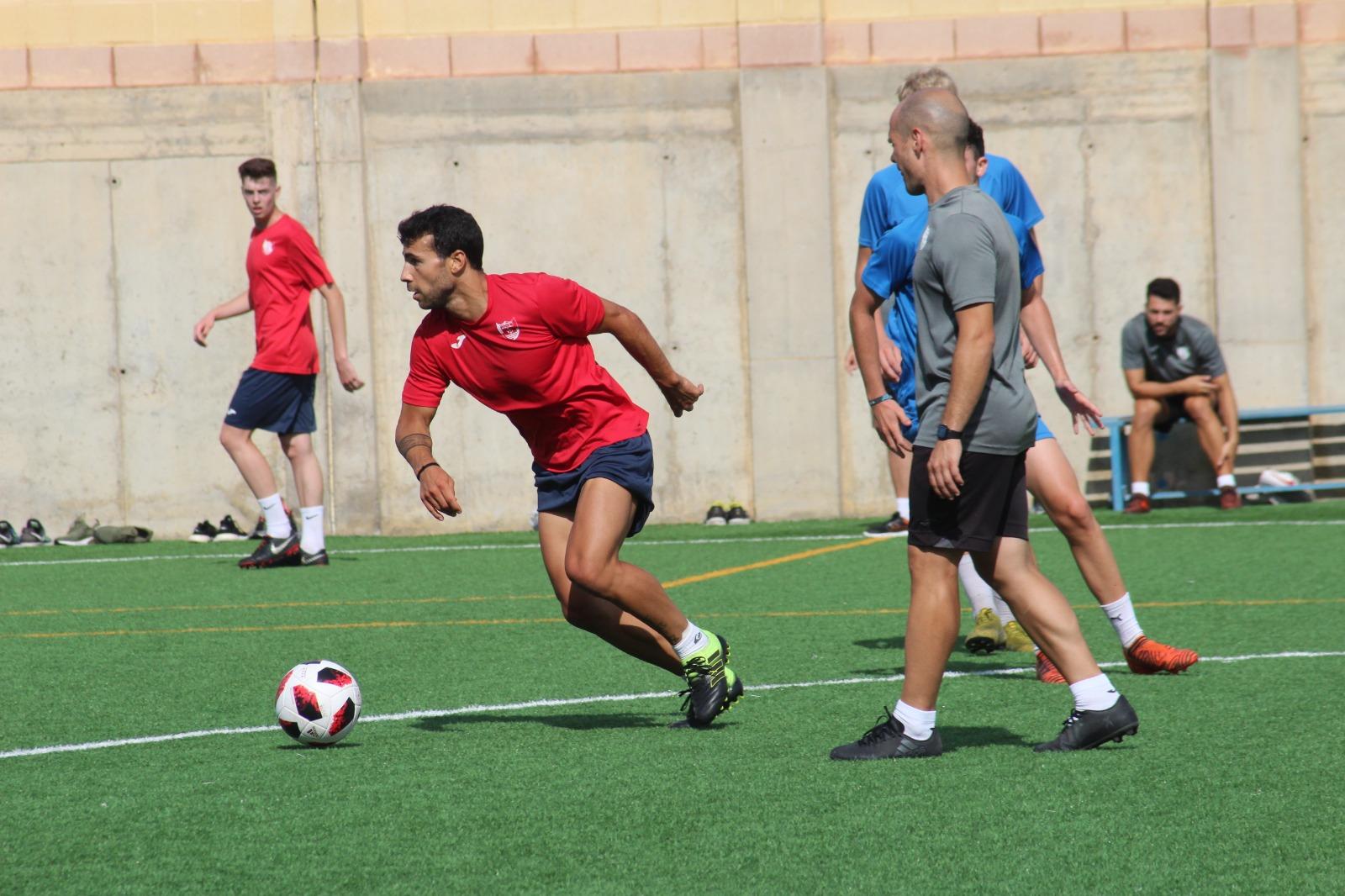 Diego Gámiz se incorpora a los entrenamientos del CD El Ejido