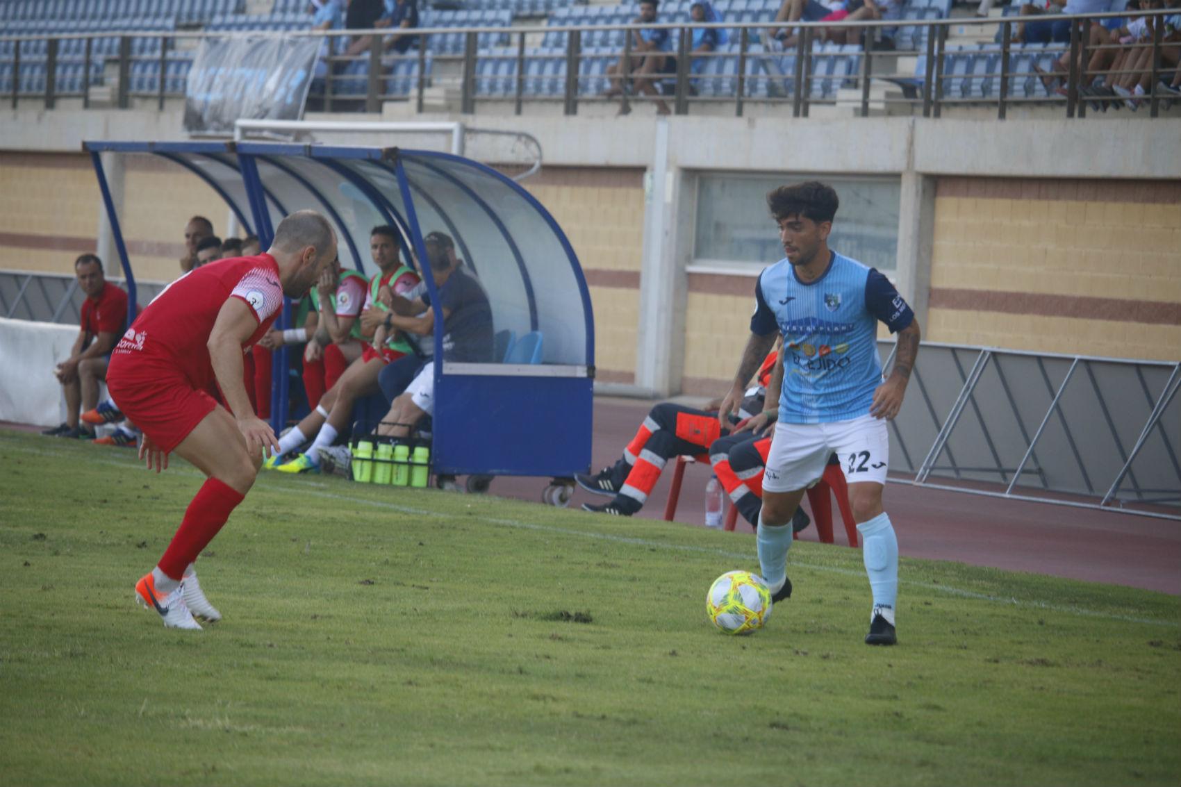 A por los tres primeros puntos a domicilio frente al Vélez CF