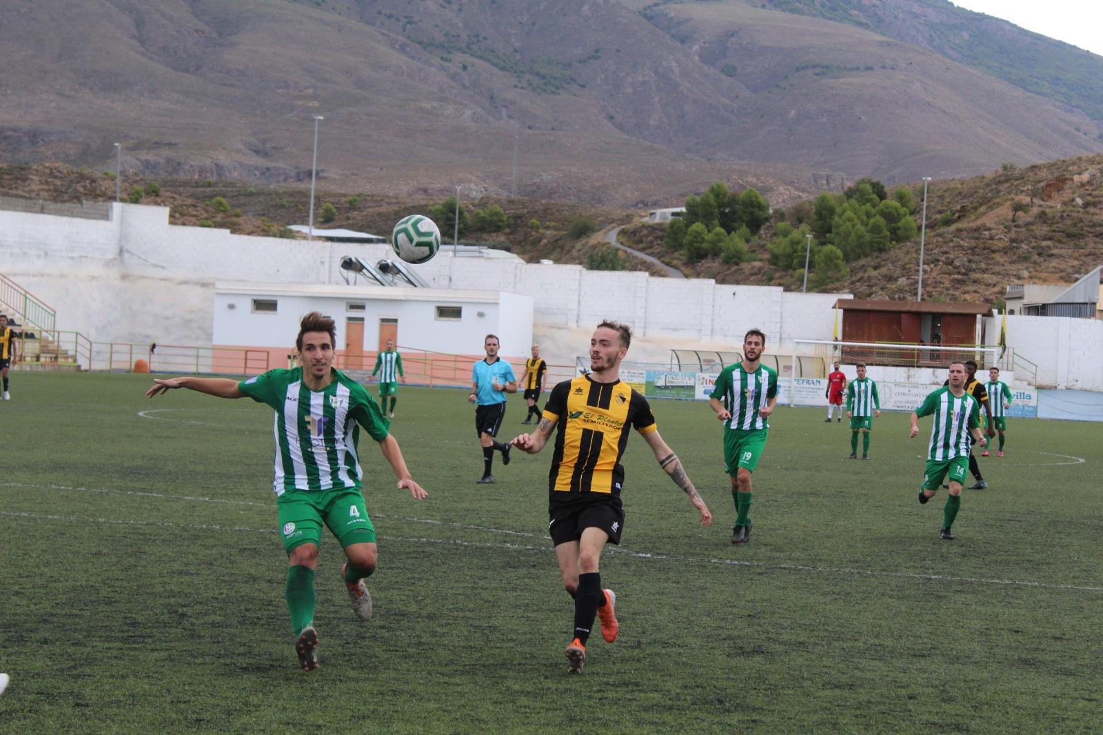 El Berja CF no puede con el Juventud de Torremolinos y suma su cuarta derrota consecutiva