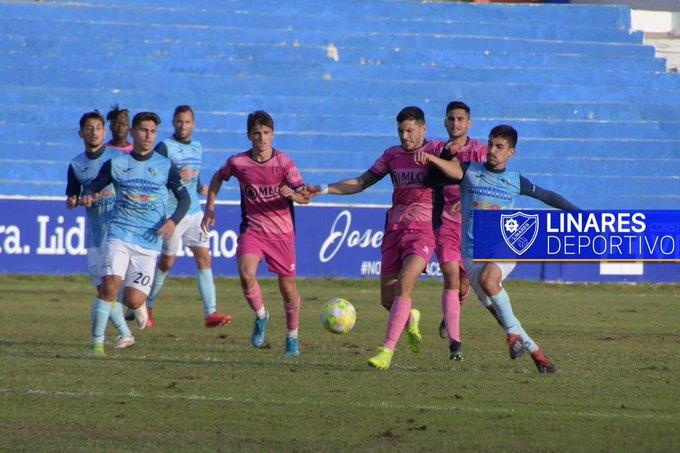 El CD El Ejido fortalece su posición entre los mejores sumando una sonada victoria en Linares