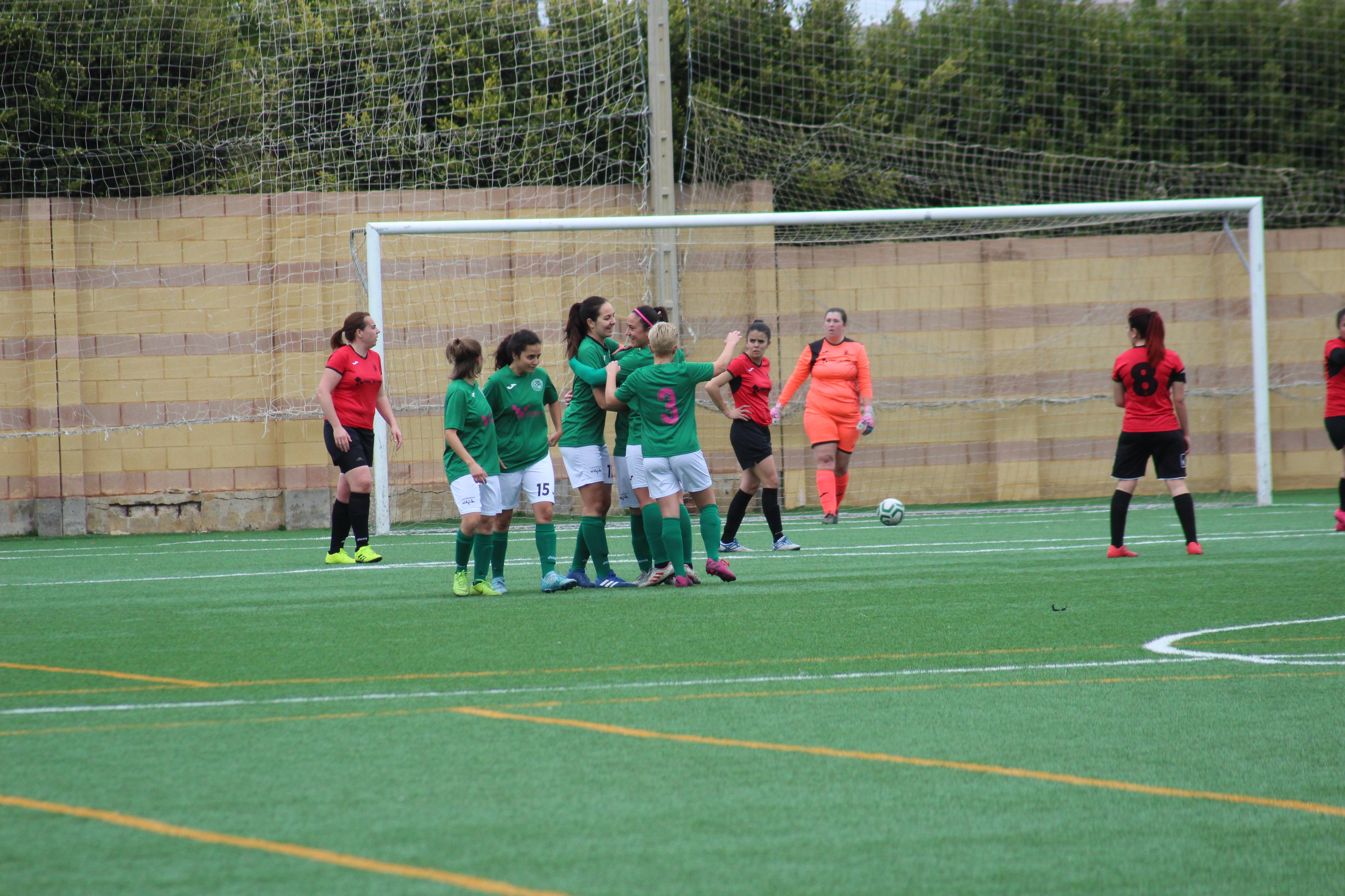 El Femenino de Fútbol vence 3-0 al Cuevas