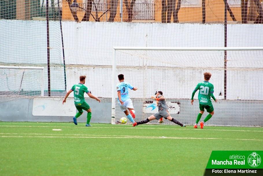 Segunda derrota consecutiva en Mancha Real de un CD El Ejido que resiste en el segundo puesto tras un penalti y una expulsión