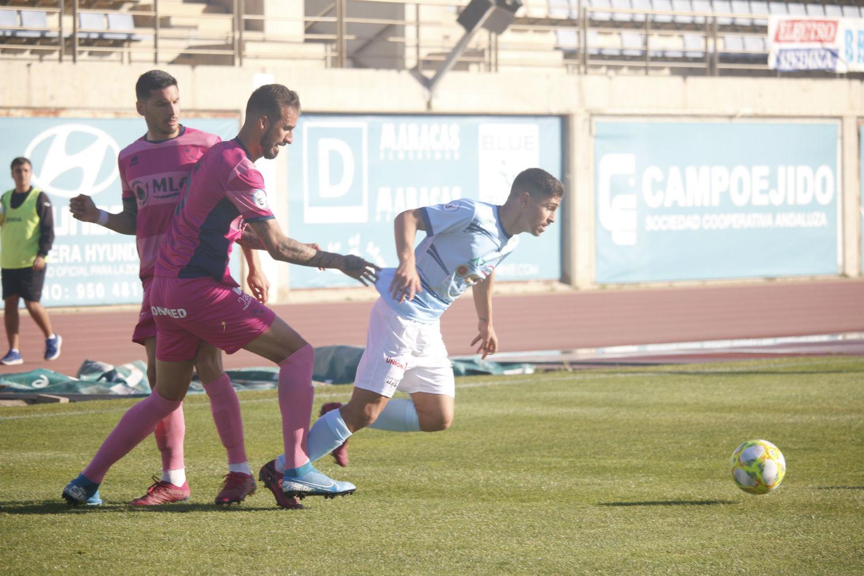 El CD El Ejido merece más frente a un Linares Deportivo que decide en la segunda parte tras sufrir hasta el descanso