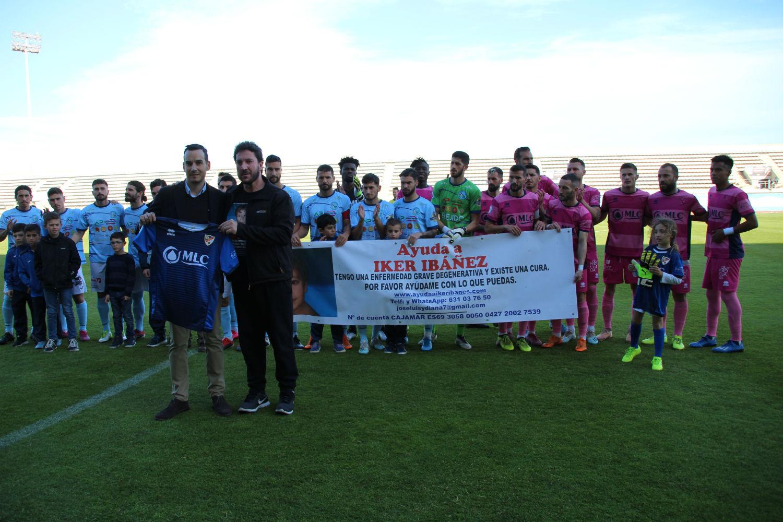 El CD El Ejido y el Linares Deportivo lanzan un mensaje por Iker Ibáñez