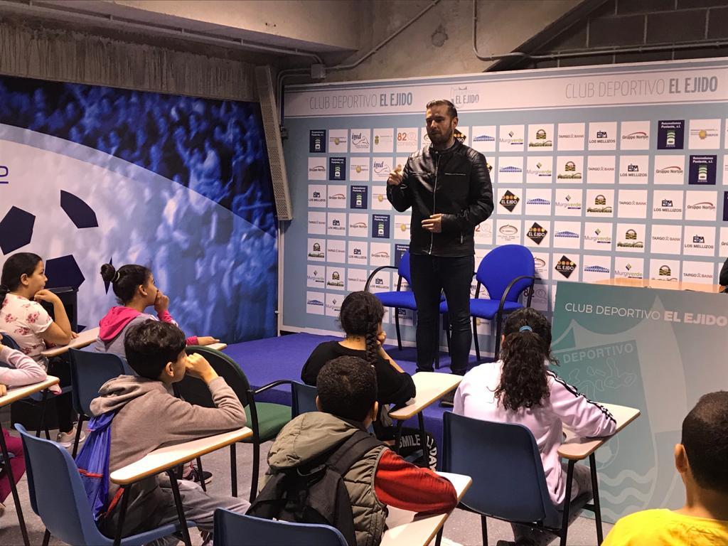 El CD El Ejido impulsa la unión de los clubes almerienses al Efecto Celeste