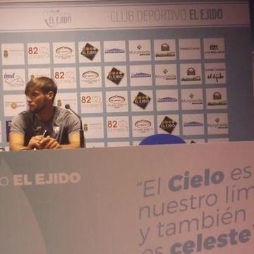 Pablo Hernández renueva como entrenador del Juvenil A