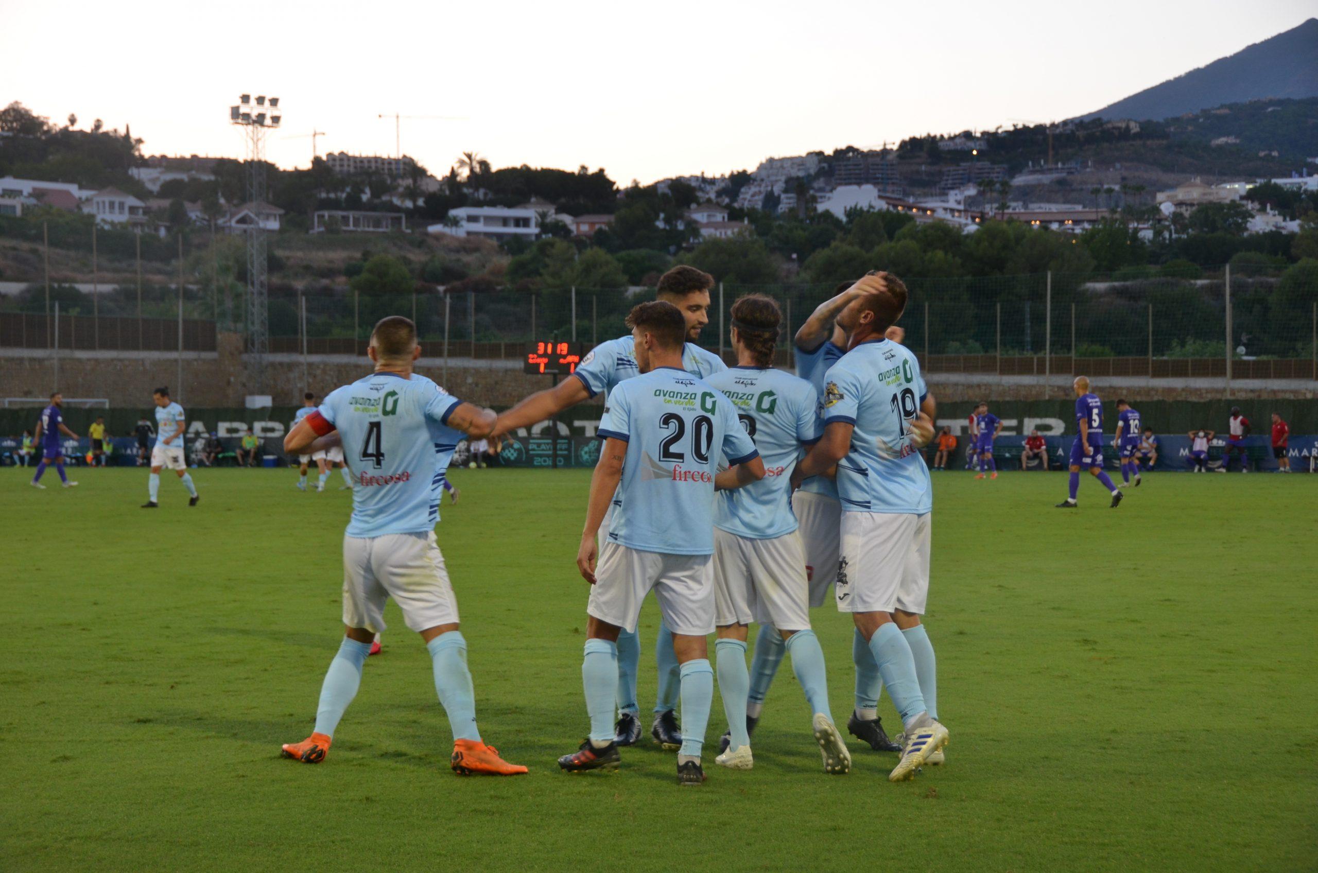 El Club Deportivo El Ejido regresa a base de fútbol total a la Segunda División B tras empatar a un gol en una final muy intensa