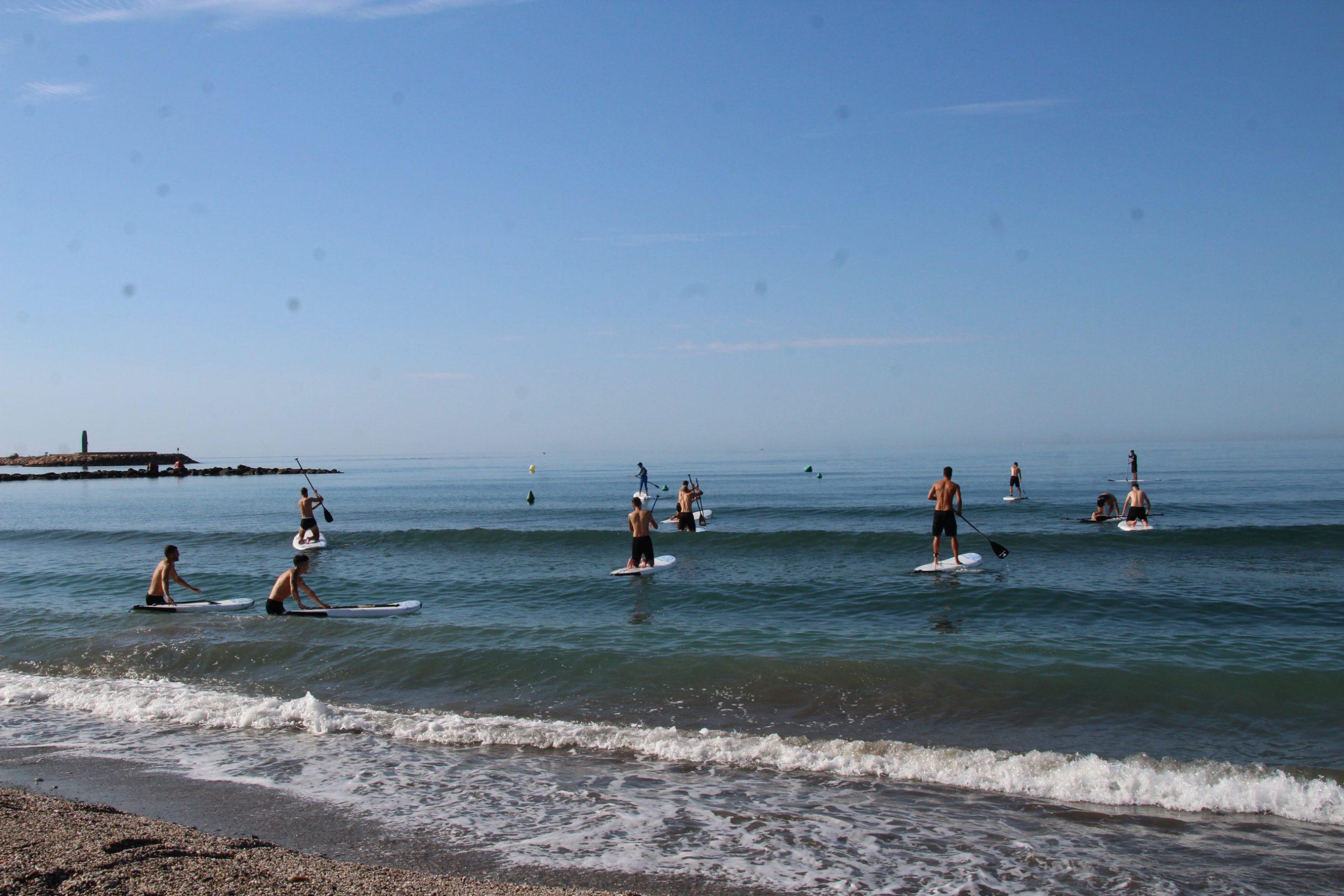 Jornada de playa y Padel Surf para el CD El Ejido con Víctor Fernández Center