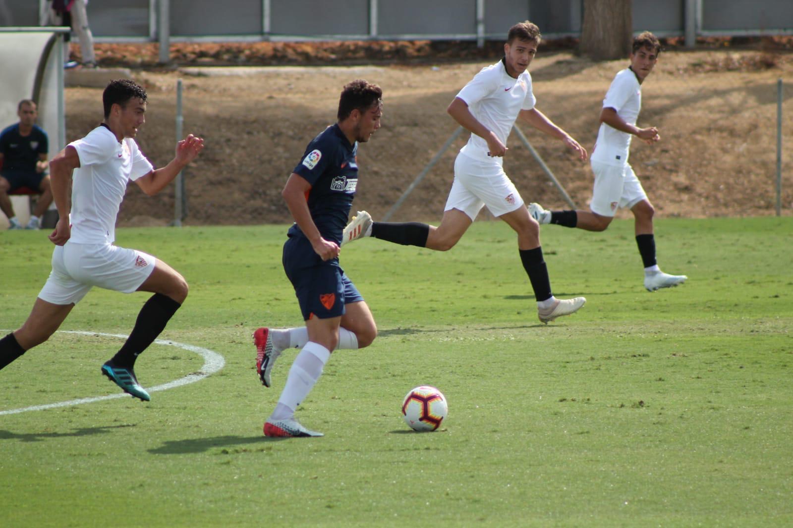 El Berja CF refuerza su delantera con Manolo Hita