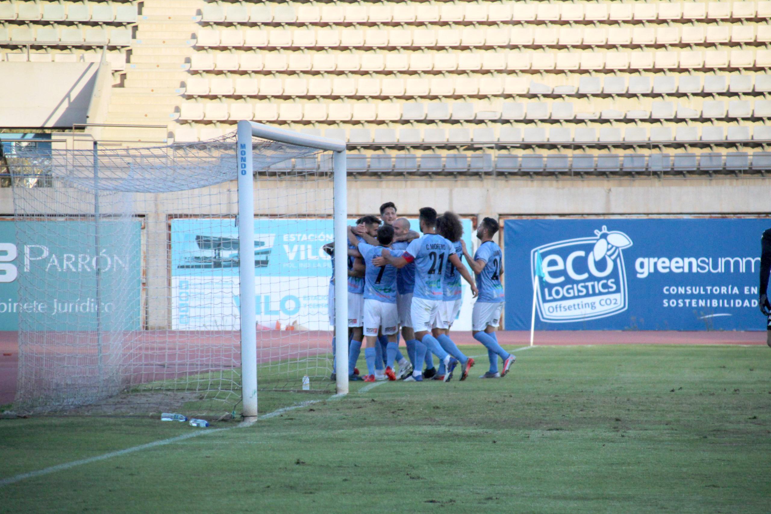 El CD El Ejido impone su letal remate con un espectacular 3-0