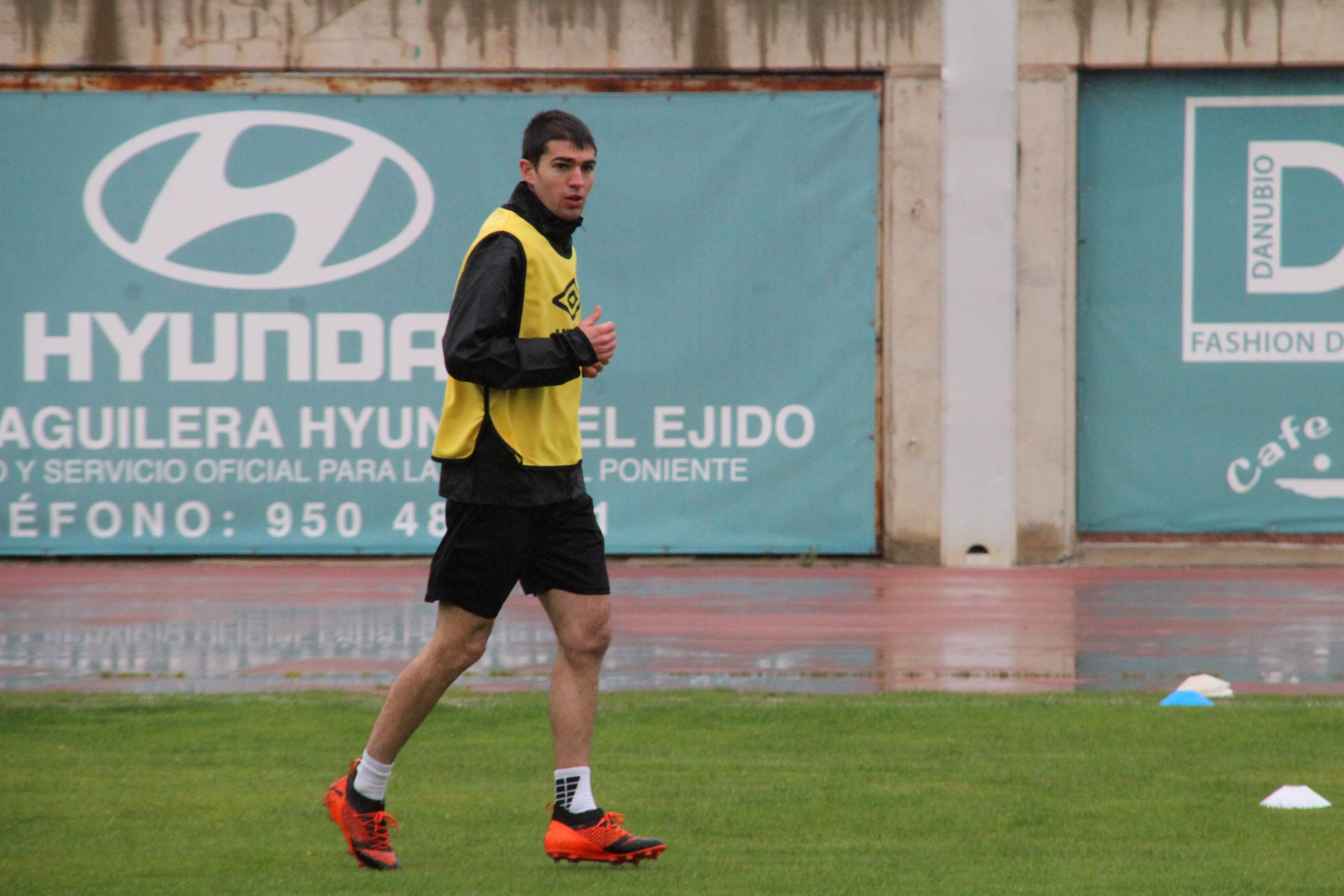Toni Dovale se incorpora a los entrenamientos