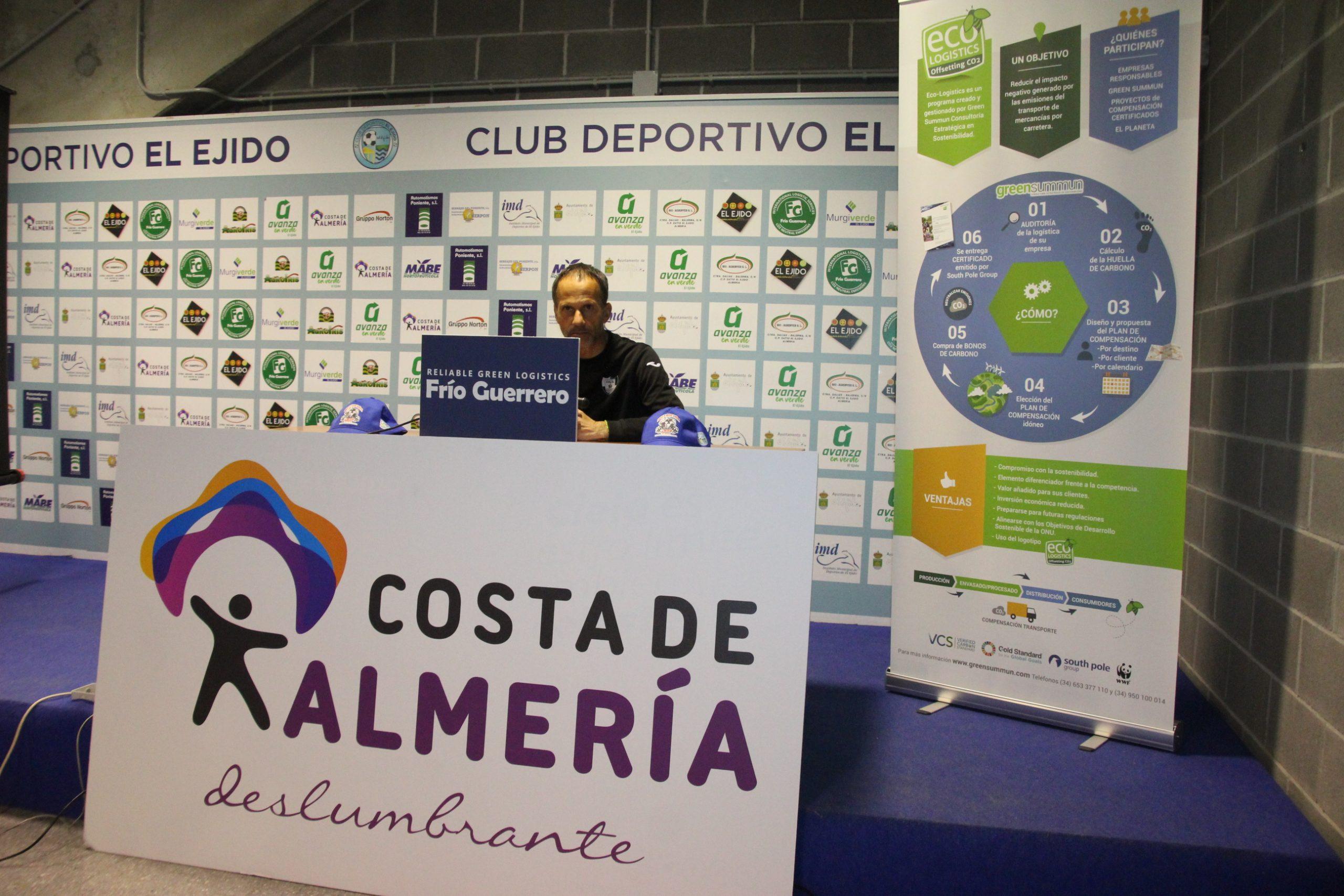 El CD El Ejido y su afición más que motivados para superar al Córdoba