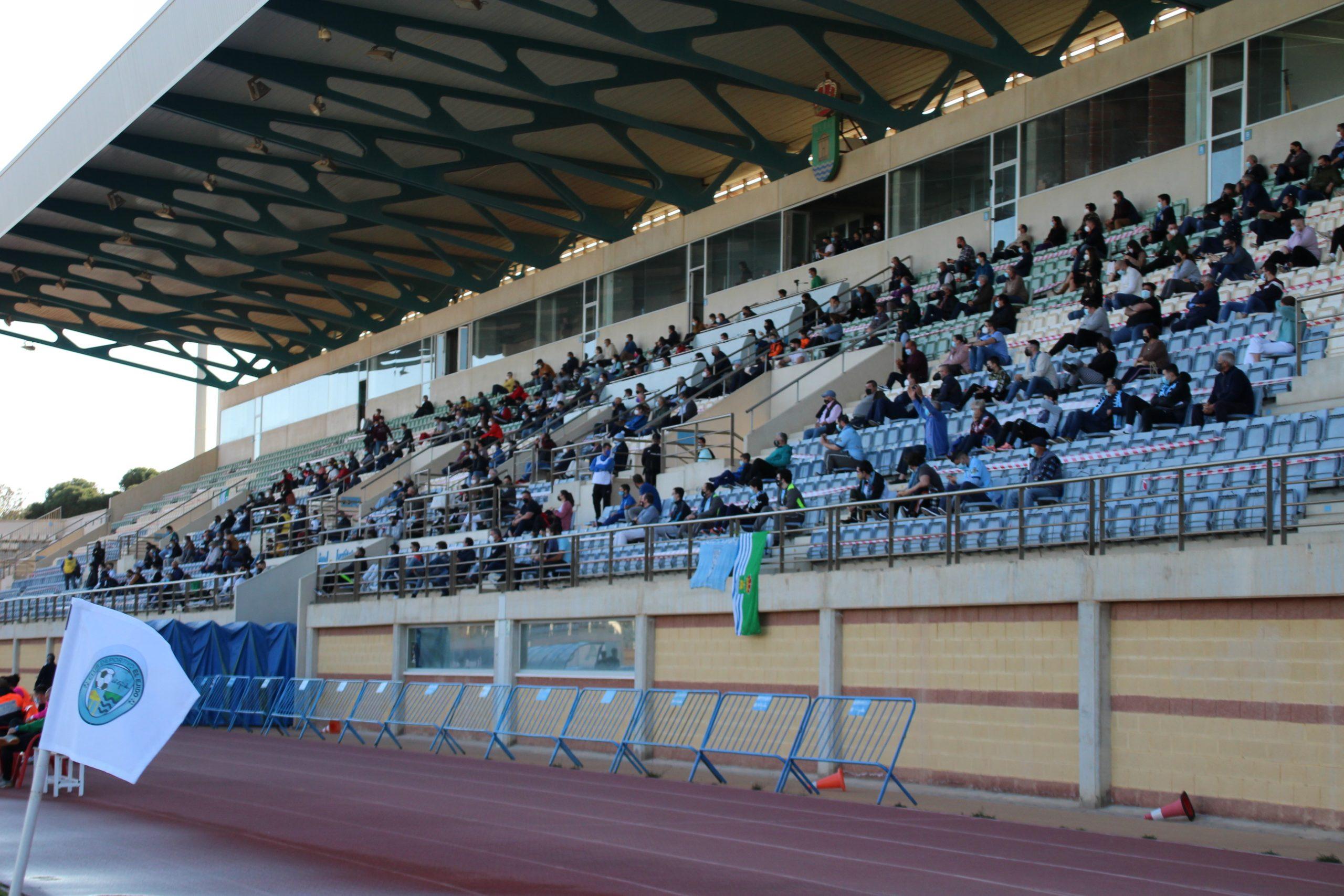 Los abonados podrán presenciar el partido entre CD El Ejido y Recre