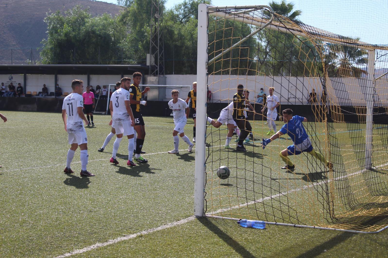 El Berja CF se impone al Monachil en el Municipal Salva Sevilla